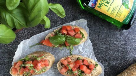 bruschetta med tomat og sitrontran