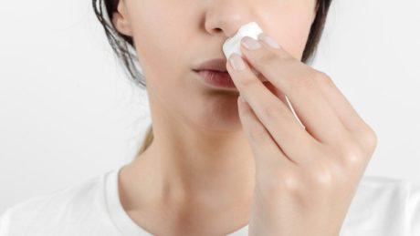 Alt du trenger å vite om neseblod ved forkjølelse